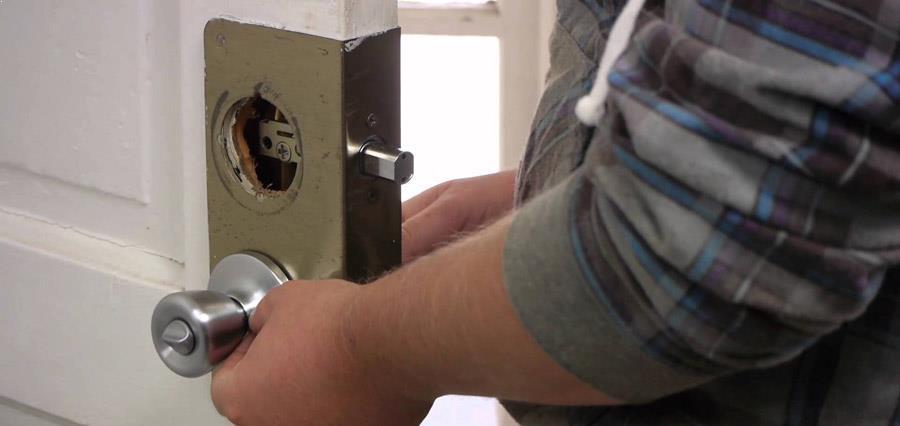Lock installation Portland locksmith