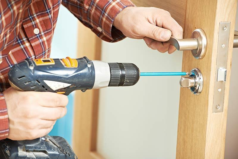Door lock repair Portland locksmith