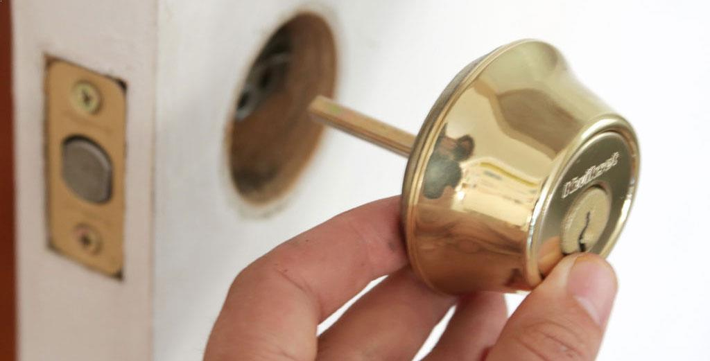 Locksmith Portland deadbolt replacement