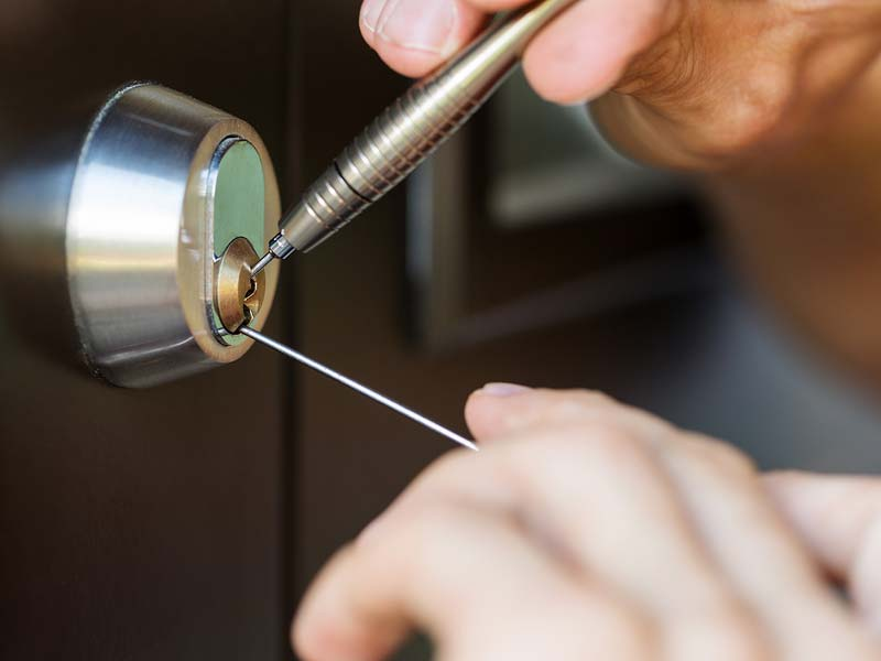 Locksmith Portland lock out service
